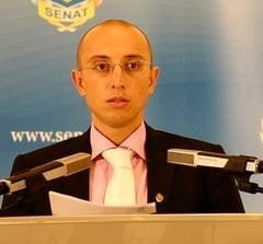 Urban: Disperatii de la Senat vor o sesiune in care se va prelungi suspendarea lui Basescu