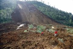 Uriasa alunecare de teren in China UPDATE - 5 morti si peste 120 de disparuti
