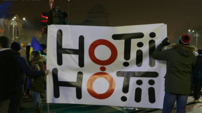 Uriasa pana de curent in centrul Capitalei: Protest in bezna la Guvern, n-a oprit nici metroul