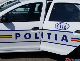 Urmarire ca in filme in Arges: Un barbat fara permis a lovit si a trimis in sant masina de politie care incerca sa il prinda