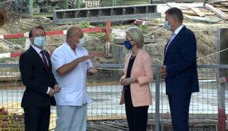 Ursula von der Leyen, Klaus Iohannis şi Florin Cîţu vizitează Spitalul Universitar București VIDEO