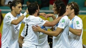 Uruguay spulbera Tahiti si trece in semifinale