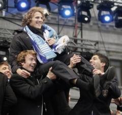 Uruguayenii, primiti ca niste eroi la intoarcerea de la Cupa Mondiala (Galerie foto)