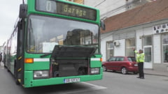 """VIDEO - """"Rima"""" lui Boldea a cedat la prima incercare! Adus la Lugoj, in urma cu o zi, autobuzul inchiriat cu mii de euro a ramas in trafic din cauza unei defectiuni!"""