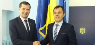 VIDEO: Liberalii Catalin Toma si Ion Stefan si-au primit certificatele de parlamentari