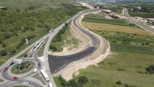 VIDEO  Pregatiri pentru devierea circulatiei de pe DN1, in zona Alba Iulia Nord, pe o portiune din corpul autostrazii A 10 Sebes-Turda