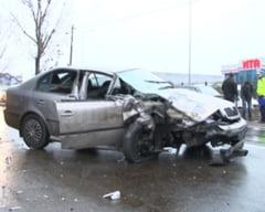 VIDEO Accident rutier produs la intrare in Buzau, soldat cu ranirea unei femei