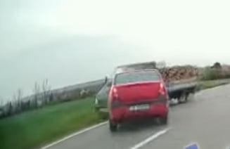 VIDEO Accident rutier violent filmat cu camera de bord in Teleorman. Soferul vinovat conducea beat langa sotia gravida