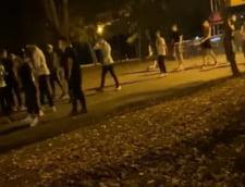 VIDEO Balul bobocilor in Herastrau, in plina pandemie, cu 250 de tineri. Politia a oprit petrecerea