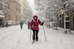 VIDEO Bataie cu bulgari de zapada in centrul Madridului, dupa cea mai puternica ninsoare din ultimele decenii