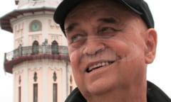 """VIDEO Benone Sinulescu a cedat Primariei Buzau drepturile pentru folosirea melodiei """"Cat e Siriul de mare"""" la orologiul Palatului Comunal"""