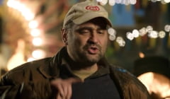 """VIDEO Celentano din Las Fierbinti, un nou discurs memorabil de 1 Decembrie: """"Statul cand zice ca iti ia, iti ia. Cand zice ca iti da, zice"""""""