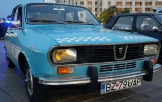 VIDEO Dacia 1300 cu numar de Buzau, modificata pentru o productie cinematografica, expusa la Casa Poporului