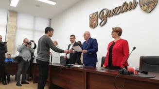 VIDEO Elevii si profesorii cu rezultate deosebite au primit diplome si bani de la autoritatile Buzaului