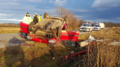 VIDEO FOTO - Accident spectaculos pe drumul Hotilor. Trei copii si doua femei, victime!