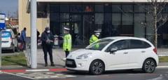 VIDEO FOTO - CORONAVIRUS - Filtre de politie in trafic la Sibiu - Sunt verificati toti soferii, dar si pietonii