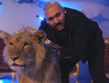 """VIDEO FOTO Manelistul Dani Mocanu si-a asmutit fanii pe o tanara care l-a criticat pe Facebook dupa abuzarea leului bolnav. Femeia, bombardata ulterior cu """"amenintari si injuraturi"""""""