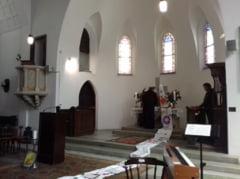 VIDEO FOTO O biserica din Sibiu este unica in Romania - preoti de la toate cultele se roaga in ea