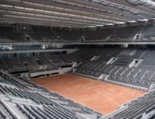 """VIDEO Imagini cu """"bijuteria"""" de 1 hectar pe care joaca Simona Halep la Roland-Garros. Cat a costat acoperisul-minune"""