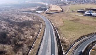 """VIDEO Imagini spectaculoase cu lotul 1 al autostrazii Pitesti-Sibiu. """"Constructorul austriac Porr avanseaza intr-un ritm sustinut"""""""