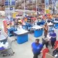 VIDEO Incident socant intr-un hipermaket din Brazilia. Un raft urias se prabuseste in mijlocul magazinului