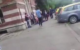 VIDEO Indignare la Ramnicu Sarat dupa moartea unui taximetrist. Martorii sunt convinsi ca putea fi salvat daca spitalul din oras nu devenea unitate COVID-19