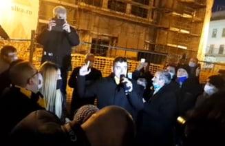 """VIDEO Liderul AUR, George Simion, huiduit la Timisoara. """"Dispari, provocatorule! Mincinosule! Pentru ce am luptat in Revolutia asta?"""""""