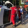 VIDEO Masina de politie rasturnata in Craiova. Politistul de la volan a vrut sa evite traficul din centrul orasului si a pornit girofarul