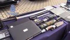 VIDEO Mega actiune a politiei spaniole. Au confiscat 600 kg de cocaina, masini de lux si un arsenal de arme de la o grupare de traficanti de droguri