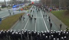 VIDEO Mii de oameni au protestat la Varsovia impotriva interzicerii avortului si a restrictiilor anti-pandemie