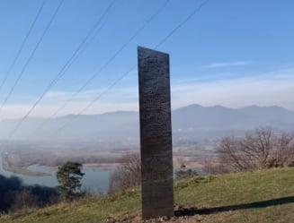 """VIDEO Misterul monolitului aparut din senin langa cetatea dacica Petrodava: """"Este geaman celui gasit in Utah"""""""