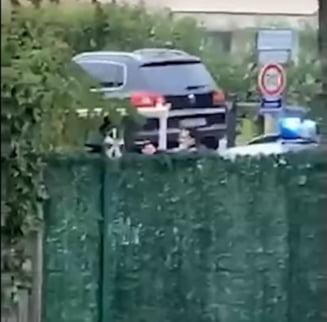 VIDEO Momentul in care atacatorul din Paris, care a decapitat un profesor, este incoltit si impuscat de politistii francezi