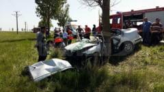 VIDEO O tanara a murit iar fiica ei a fost grav ranita intr-un accident produs la Maxenu, intr-o zona periculoasa
