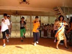 """VIDEO Primarita """"dansatoare"""" din Movila Banului, judetul Buzau, si-a dat demisia, din motive de sanatate"""