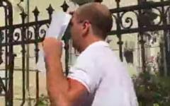 VIDEO Procurorul de la Caracal care a fugit de ziaristi este in concediu medical. Zavoianu ar fi suferit un accident vascular cerebral