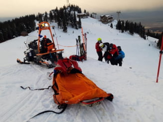 "VIDEO Record de accidentari intr-o singura zi in Poiana Brasov: 17 oameni salvati, 6 preluati de SMURD. ""In 2 cazuri aveau incaltari de oras, au alunecat si s-au lovit"""
