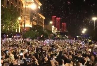 VIDEO Revelion in strada la Wuhan, orasul din care a pornit pandemia de coronavirus. Mii de oameni au sarbatorit trecerea in 2021