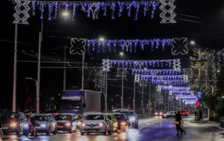VIDEO S-au aprins luminitele de sarbatori in Bucuresti. Cum arata Capitala acum