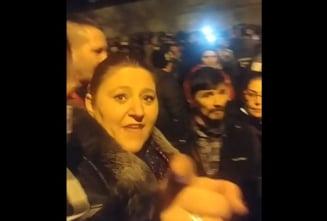 """VIDEO Senatoarea Sosoaca, discurs violent in fata minerilor din Lupeni: """"Daca nemernicul de Arafat va interzice Pastele, trebuie sa rezistati!"""""""