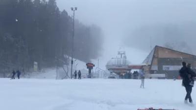 VIDEO Sunt sute de turisti pe partiile din Valea Dorului si Valea Soarelui, unde se schiaza