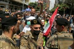 VIDEO Tensiuni uriase in Beirut. Fortele de ordine au folosit gaze lacrimogene impotriva manifestantilor antiguvernamentali