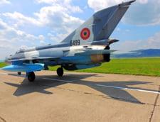 VIDEO Top Gun de Romania. Un MiG-21 LanceR, rol de tinta pentru un F-16