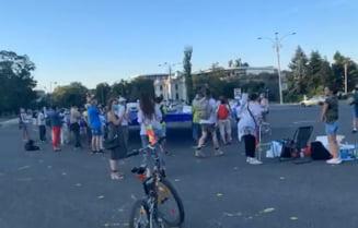 VIDEO UPDATE Doi ani de la protestul din 10 august 2018. Zeci de oameni, in Piata Victoriei: Dragnea, Dancila si Carmen Dan sunt vinovati de violentele de atunci