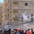 VIDEO Un bloc de 9 etaje s-a prabusit in Cairo. Cel putin cinci persoane au murit