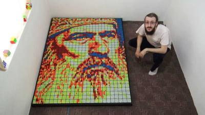 """VIDEO Un finalist de la """"Romanii au talent"""" i-a facut portretul Arhiepiscopului Teodosie din 720 de cuburi Rubik"""