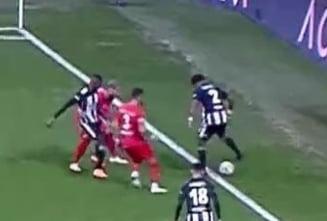 VIDEO Un fotbalist i-a aratat arbitrului, cu telefonul mobil, ca a gresit, dar a fost eliminat. Jucatorul a avut dreptate