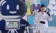 VIDEO Un roman a inventat un robot care ii ajuta pe profesori sa predea online, exact ca la orele normale