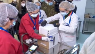 VIDEO Vaccinul anti-COVID a ajuns la Institutul Cantacuzino. Florin Citu: Maine incepe campania de vaccinare. Saptamanal vom primi 140.000 de doze