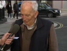 """VIDEO Vorbele emotionante ale unui britanic de 91 de ani care a mers singur la spital sa se vaccineze contra COVID. """"Ce rost are sa mor acum? Mai am mult de trait"""""""