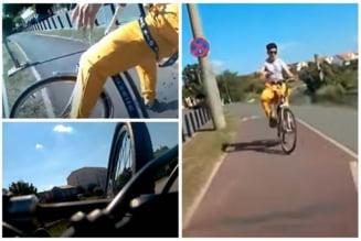 VIDEO cu un accident frontal intre doi biciclisti, unul dintre ei vorbea la telefon